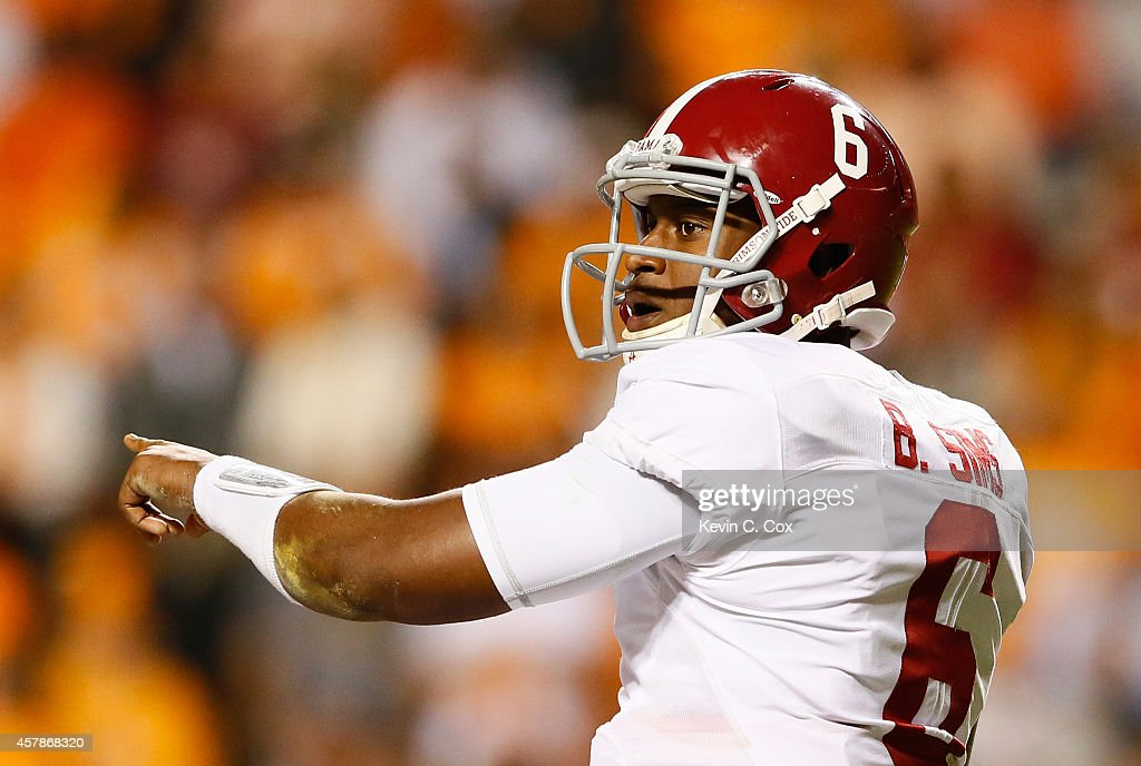 Blake Sims #6 of the Alabama Crimson Tide points out the Tennessee Volunteers defense at Neyland Stadium on October 25, 2014 in Knoxville, Tennessee.