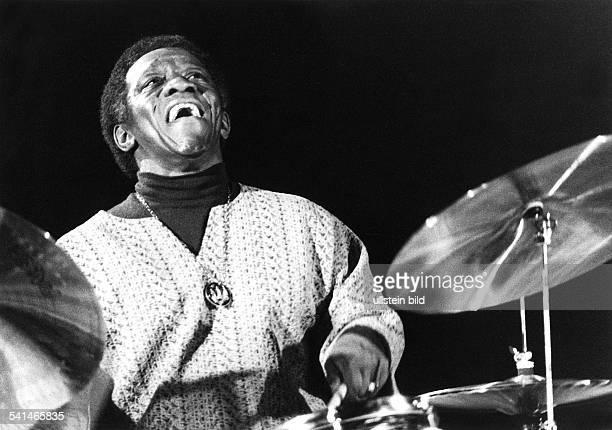 Blakey Art *Jazzmusiker Schlagzeuger USA Auftritt in der Berliner Philharmonie waehrend der Berliner Jazztage November 1972