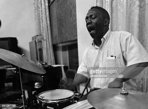 Blakey Art *Jazzmusiker Schlagzeuger USA Portrait 1959