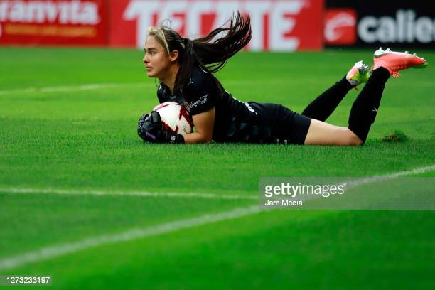Blanca Felix of Chivas makes a save during the 6th round match between Chivas and Cruz Azul as part of the Torneo Guard1anes 2020 Liga MX Femenil at...