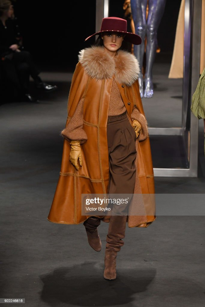 Alberta Ferretti - Runway - Milan Fashion Week Fall/Winter 2018/19 : News Photo
