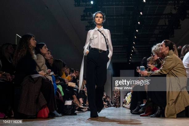 Blanca Padilla walks the runway during the Elie Saab show as part of the Paris Fashion Week Womenswear Spring/Summer 2019 on September 29 2018 in...