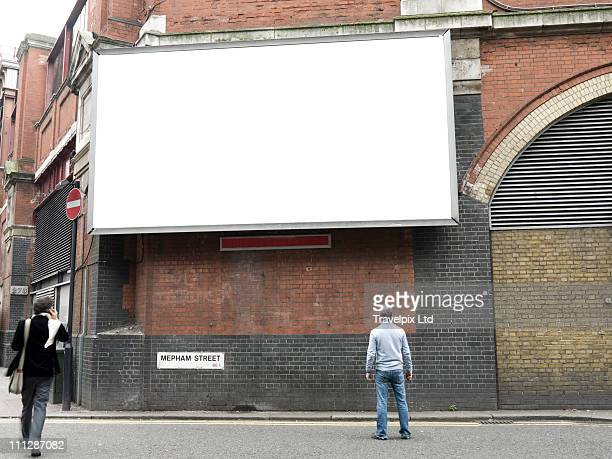 blank advertising billboard, london, uk - unbeschrieben stock-fotos und bilder