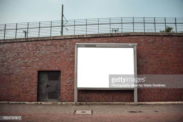 blank billboard outdoors - placard stock pictures, royalty-free photos & images