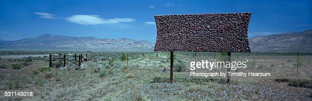 blank billboard - timothy hearsum stock pictures, royalty-free photos & images