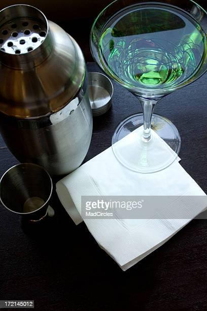 Leere Cocktail-Servietten mit Martini
