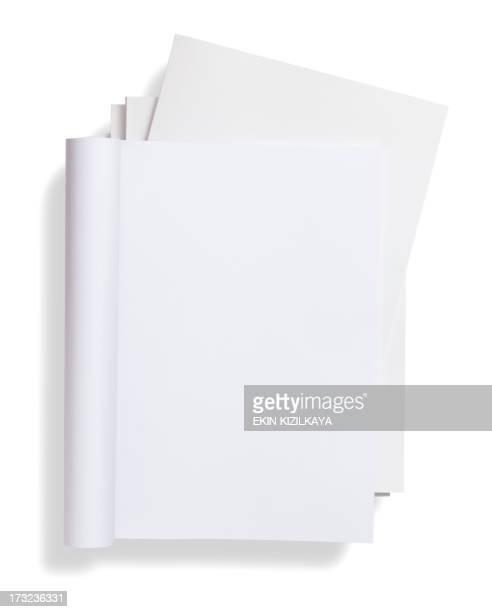 空白の曲線スタック雑誌の雑誌