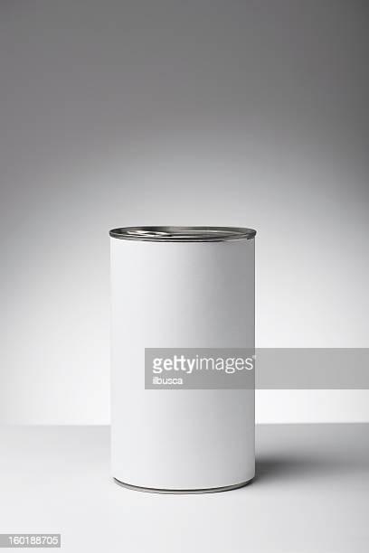 Leere etikettierte Erzeugnisse auf neutrale Weiß zu Grau Hintergrund mit Farbverlauf