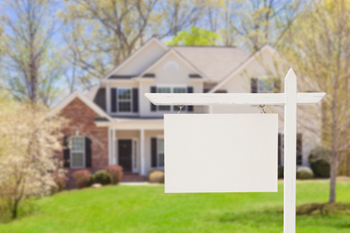 Blank Real Estate Sign in Front of New House 177722838
