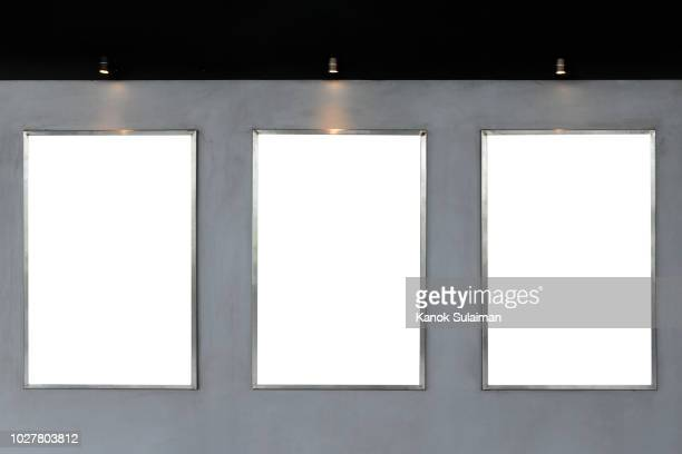 blank sign - placard stock pictures, royalty-free photos & images