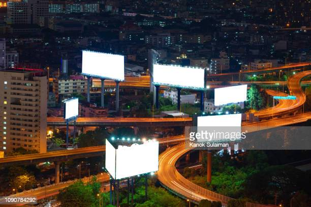 blank sign - billboard highway stock pictures, royalty-free photos & images