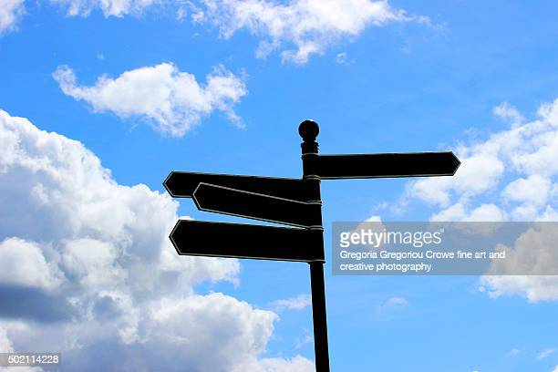 blank signpost - gregoria gregoriou crowe fine art and creative photography photos et images de collection