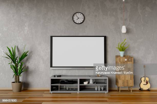 79 Wall Mounted Tv Photos And Premium High Res Pictures Getty Images