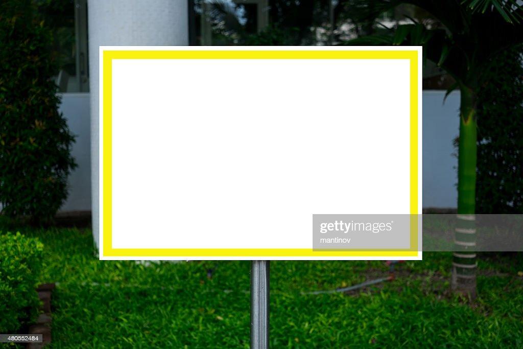 Blanco con la señal para texto en blanco : Foto de stock