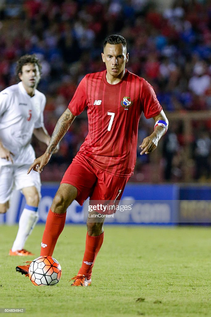 Blas Perez of Panama drives the ball during the match between Cuba and Panama as part of the Copa America Centenario Qualifiers at Rommel Fernandez Stadium on January 08, 2016 in Panama City, Panama.