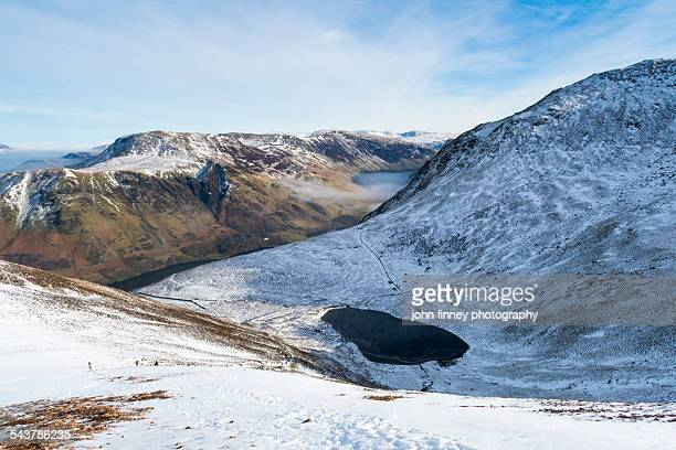 bleaberry tarn, buttermere, cumbria - whitehaven cumbria stock pictures, royalty-free photos & images