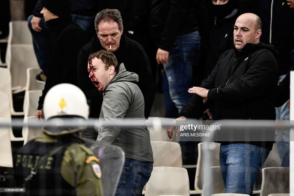 TOPSHOT-FBL-EUR-C1-AEK ATHENS-AFC AJAX : News Photo
