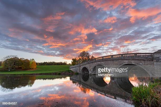 blenheim bridge sunset - oxfordshire stock pictures, royalty-free photos & images