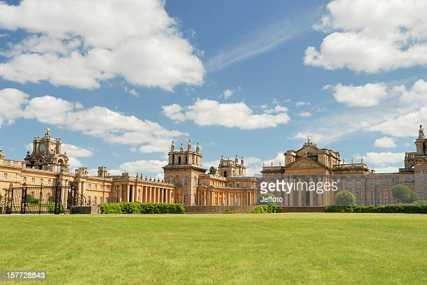 blenheim palace in summer - blenheim palace stock pictures, royalty-free photos & images