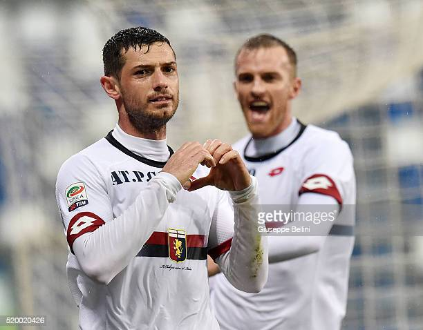 Blerim Dzemaili of Genoa CFC celebrates after scoring the opening goal during the Serie A match between US Sassuolo Calcio and Genoa CFC at Mapei...