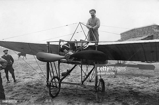 Bleriot Louis *01071872 Luftfahrtpionier Flugzeugkonstrukteur Frankreich Ueberflog als Erster den Aermelkanal am vor seiner Ueberquerung des...