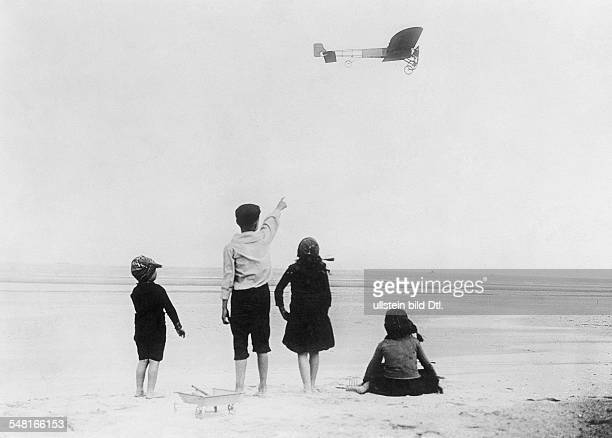 Bleriot Louis Engineer Aviator F *01071872 The first crossing of the English Channel Bleriot in his monoplane Vintage property of ullstein bild