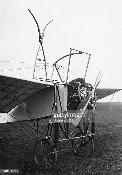 Bleriot Louis Engineer Aviator F *01071872 View at the monoplane Bleriot with a new stystem of drive system ca 1913 Photographer MRol Vintage...
