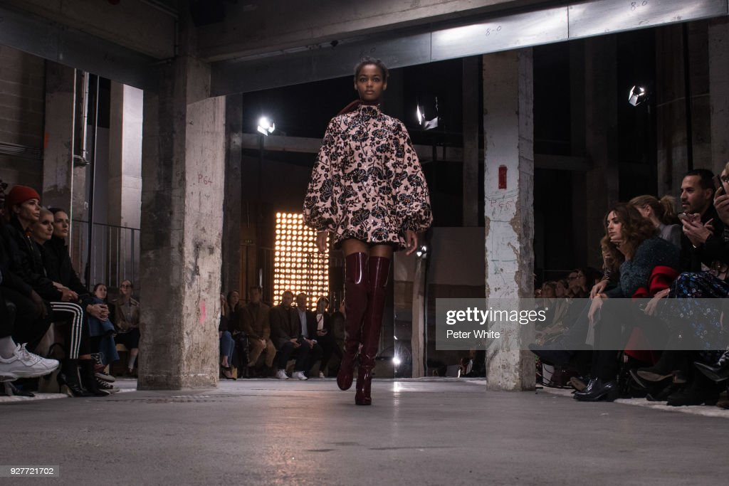 Blesnya Minher walks the runway during the Giambattista Valli show as part of the Paris Fashion Week Womenswear Fall/Winter 2018/2019 on March 5, 2018 in Paris, France.