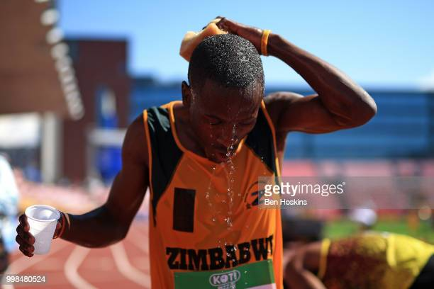 Blessing Nyanforo of Zimbabwe cools off following heat 3 of the men's 4x400m heats on day five of The IAAF World U20 Championships on July 10 2018 in...
