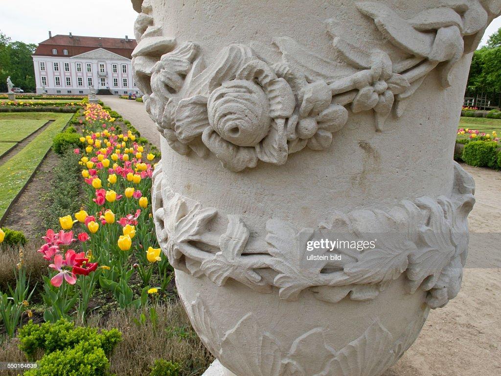 Schloss Friedrichsfelde : News Photo