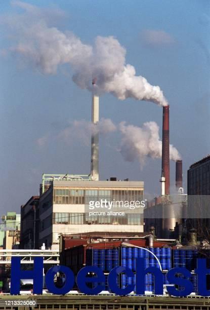 Blick auf das Stammwerk der Hoechst AG in Frankfurt-Höchst, aufgenommen am 6.2.96. Der Chemiekonzern war in jüngster Zeit erneut durch mehrere...