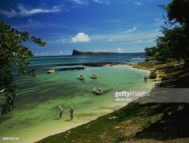 Blick auf die Bucht und den Strand vonGrand Baie oJ