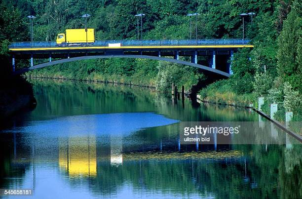 Blick auf die Germelmannbrückeüber dem Teltowkanal - ohne Jahr