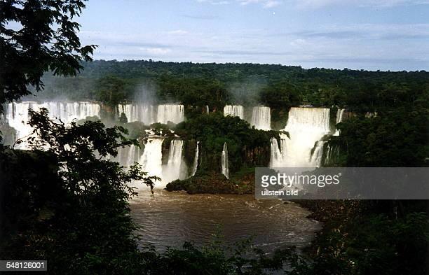 Blick auf die Wasserfälle 00021996