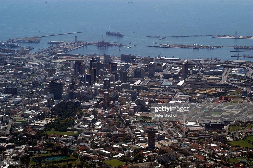 Blick auf Kapstadt, Hafen und Atlantischen Ozean, von Berg-Station, Tafelberg-Nation : News Photo