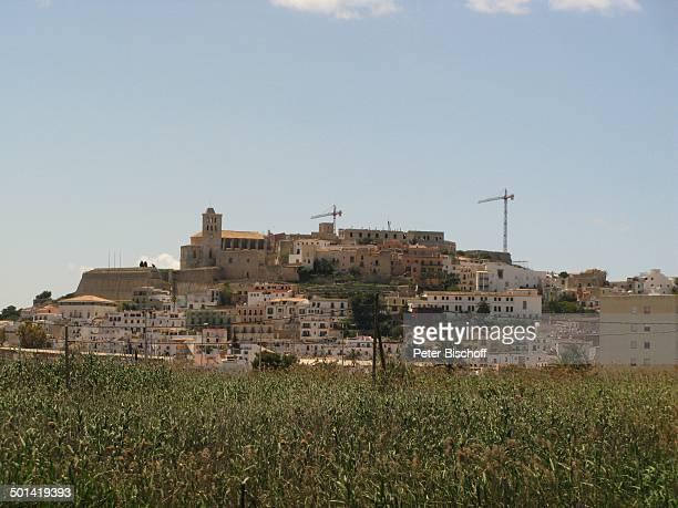 Blick auf Kathedrale IbizaStadt Insel Ibiza Balearen Spanien Europa Kirche Reise AS DIG PNr 663/2010 Foto PBischoff Jegliche FotoNutzung nur gegen...