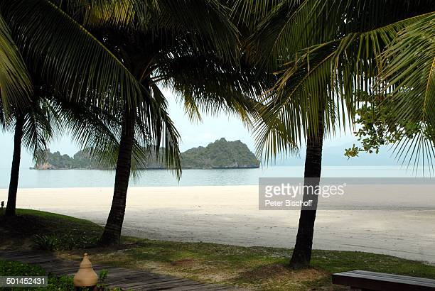 Blick auf NachbarInsel vom Hotelstrand Strand 5SterneLuxushotel Four Seasons Insel Langkawi Malaysia Asien Meer Palme Hotel Reise NB DIG PNr 1836/2011