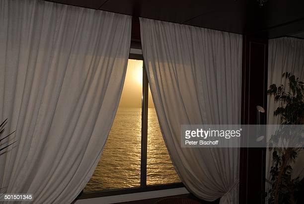 Blick aus Kabine in Sonnenuntergang Kreuzfahrtschiff MS Astoria Asien Schiff Wasser Meer Reise BB DIG PNr 603/2008