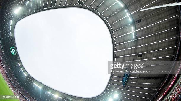 Blick in das Stadiondach, gesehen waehrend dem Bundesliga-Spiel zwischen dem FC Bayern Muenchen und Borussia Moenchengladbach am in der Muenchner...