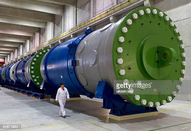 Blick in die Halle 7 des Zwischenlagers Nord in Lubmin . In der Halle steht das Reaktorgefaess 4 des demontierten Kernkraftwerkes Lubmin. Das ZLN ist...