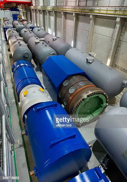 Blick in die Halle 7 des Zwischenlagers Nord in Lubmin In der Halle stehen Dampferzeuger und das Reaktorgefaess 5 des demontierten Kernkraftwerkes...