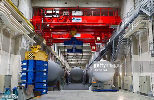 Blick in die Halle 7 des Zwischenlagers Nord in Lubmin . In der Halle stehen Dampferzeuger und Reaktorgefaesse der demontierten Kernkraftwerke Lubmin...