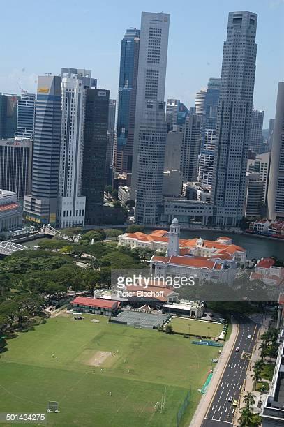 Blick vom Swissôtel The Stamford auf Skyline und CricketPlatz Marina Bay Singapur Asien Hotel Gebäude Hochhäuser Reise BB DIG PNr 013/2005