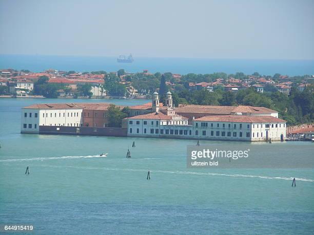 Blick vom Turm der Kirche San Giorgio Maggiore auf den Lido von Venedig aufgenommen am 18 Mai 2015