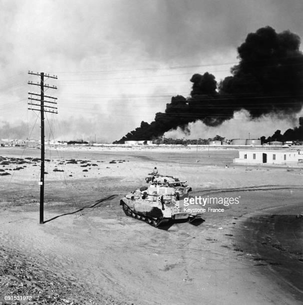 Blindé des forces britanniques en action non loin de PortSaïd en Egypte le 10 novembre 1956