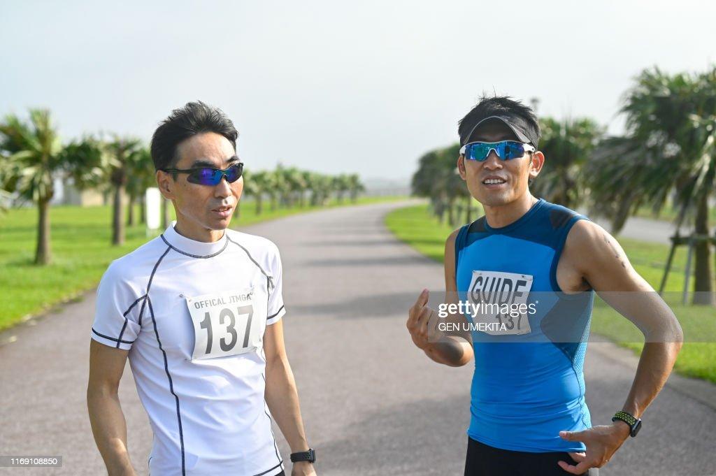 Blind triathlete : ストックフォト
