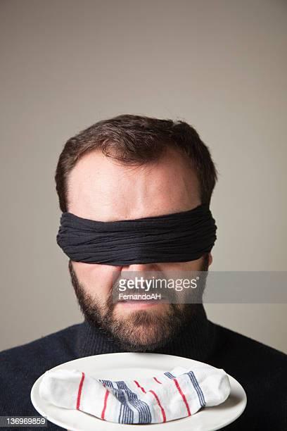 Homme Sale Blindfolded sentir chaussettes