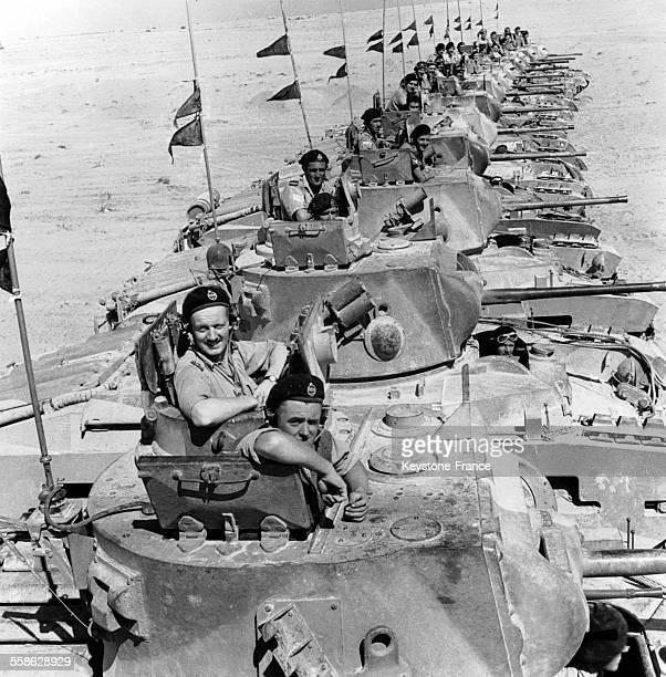 Blindés dans le désert à Tobrouk Libye en 1941