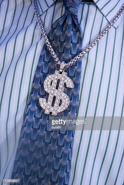 Bling-dollar-Zeichen auf einer Firmen-Krawatte