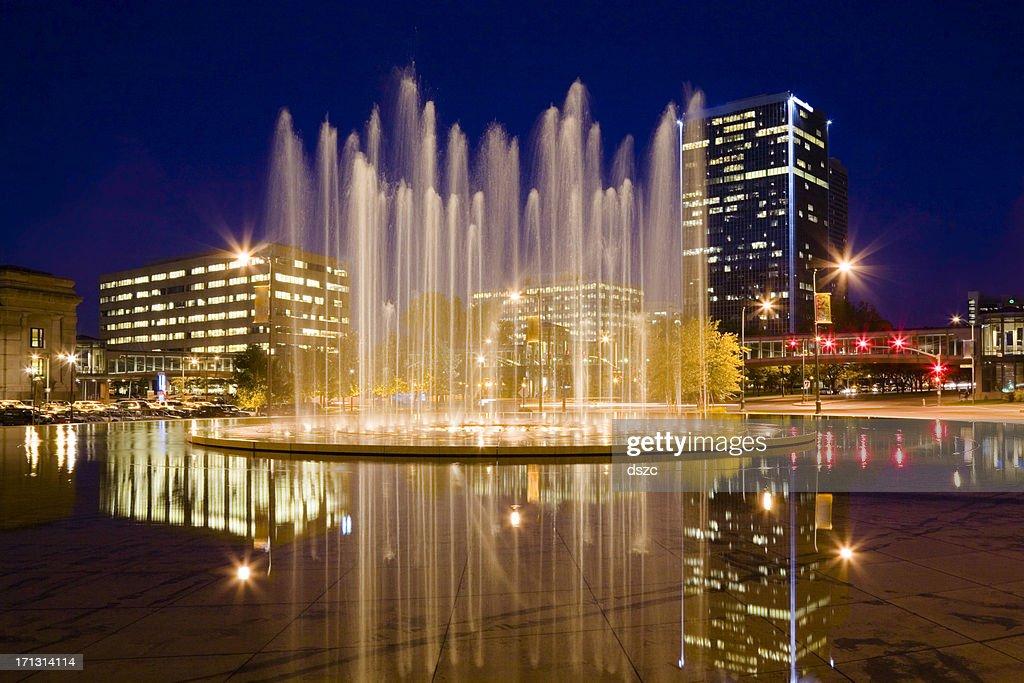 Bloch Memorial Fountain and Washington Square Park, Kansas City Missouri : Stock Photo